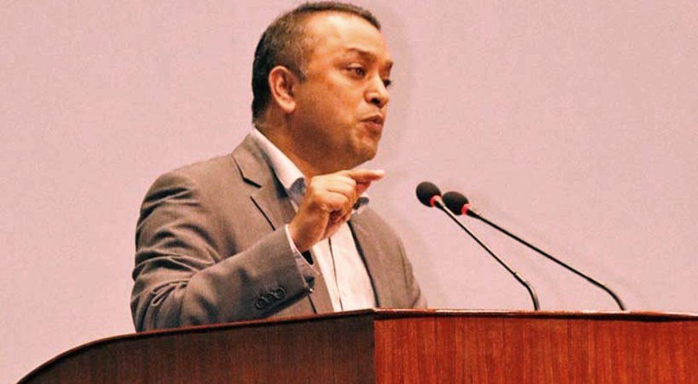 प्रधानमन्त्री केपी अाेलीलार्इ गगनकाे सुझाब