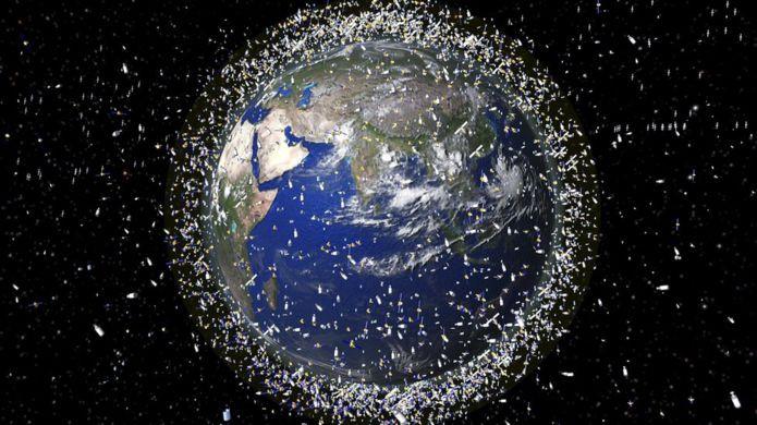 पृथ्वीको कक्षमा तैरिइरहेको छ साढे ७ हजार टन फोहोर, बेलायतले संकलन गर्न सुरू गर्यो