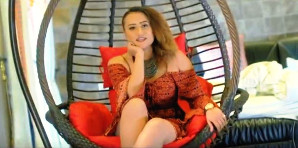 गायिका पाठककाे 'यो केटीले मुस्काएर देशै खाने भई' म्युजिक भिडियो सार्वजनिक
