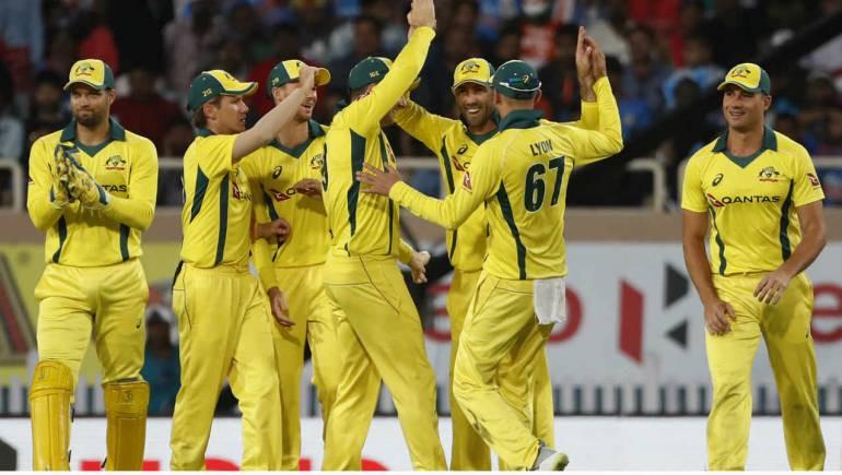 तेस्राे  एक दिवसीय क्रिकेटमा भारत ३२ रनले पराजित