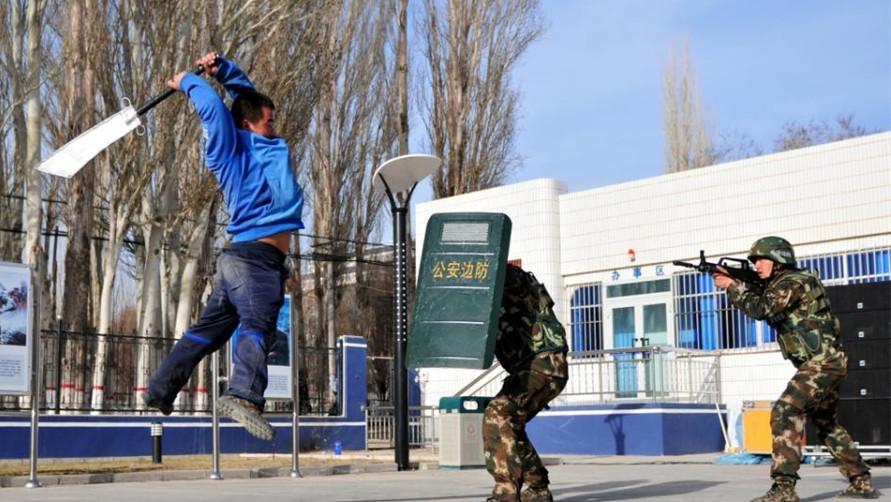 चीनमा आतंकवादी आरोपमा १३ हजार मानिस पक्राउ