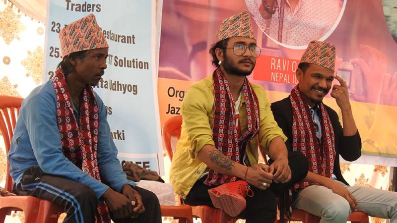 नेपाल आइडलओडलाई राउटेको ढाका टोपी