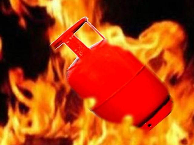 सिन्धुपाल्चोकमा ग्यास सिलिण्डर पड्किँदा चार मजदुरको मृत्यु