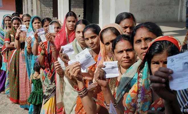 भारतमा दोस्रो चरणको मतदान जारी, श्रीनगरमा मोबाइल र इन्टरनेटसमेत बन्द